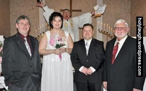 Photobomb lvl priest